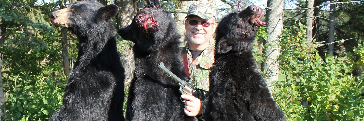 Bear hunting with Magnum handgun